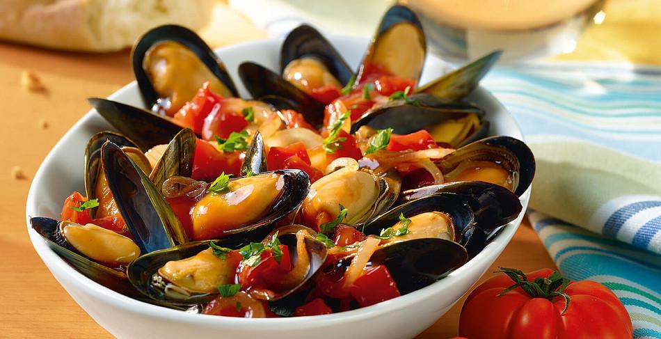 Miesmuscheln in Tomaten-Weißwein-Soße