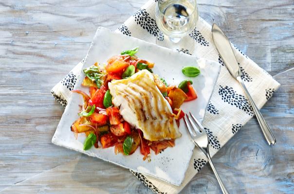 Gegrillter Kabeljau auf Tomatensalsa